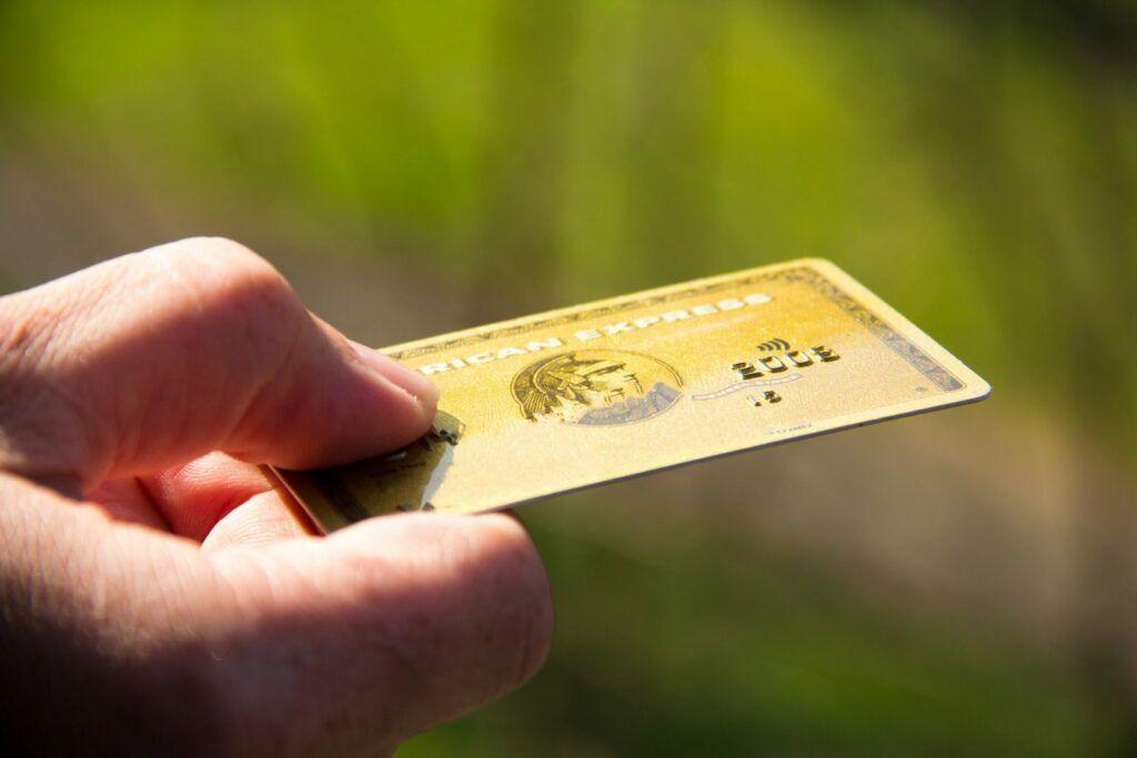 Charge karty nabízí například společnost American Express nebo Diners Club.