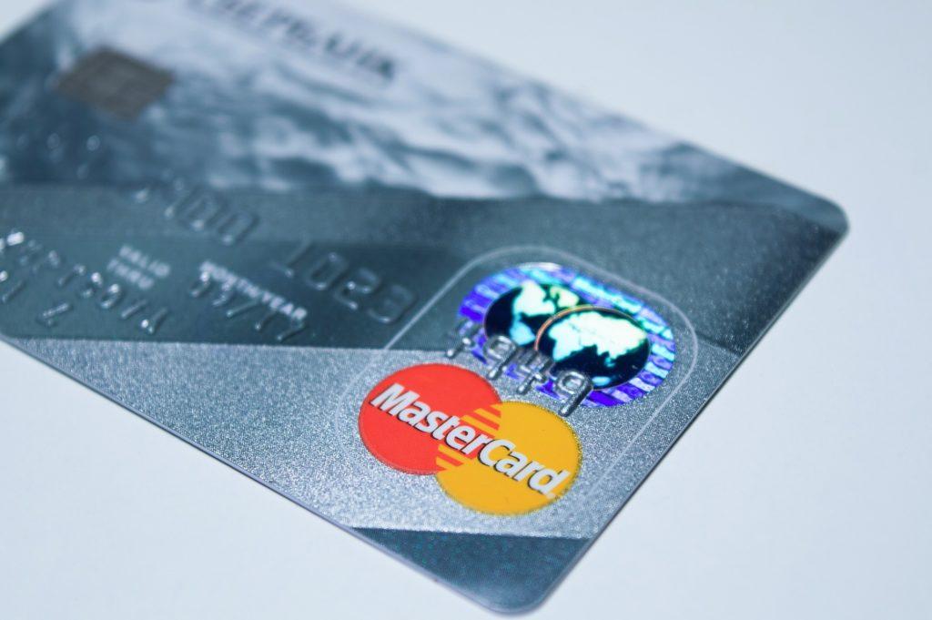Založení i vedení běžného účtu je u MONETA Money Bank bez poplatků.