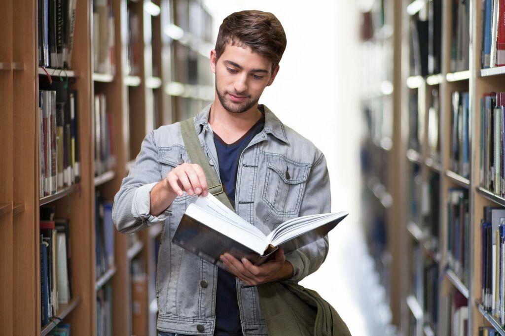Studentský účet Genius Student je určen studentům od 15 do 26 let.