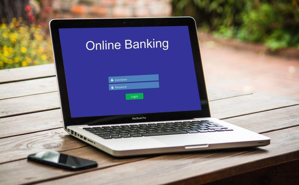 Razdva půjčku lze splácet pouze z bankovního účtu.