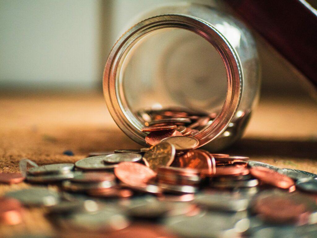 Vždy se vyplatí zvážit, zda je půjčka opravdu potřeba. Platí pravidlo, že půjčovat by se mělo jen na nezbytně nutné věci.