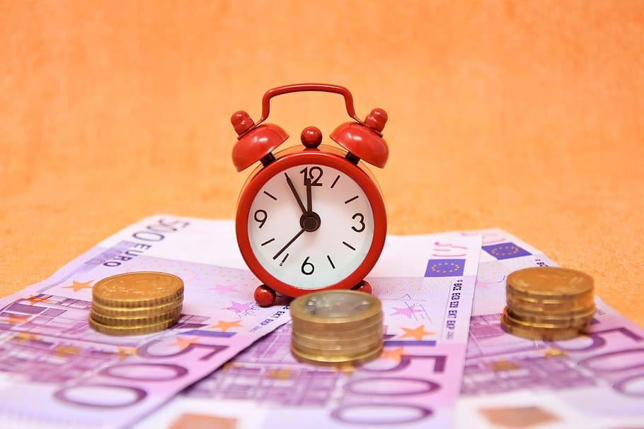 Smart půjčka se díky rychlosti vyřízení řadí mezi takzvané rychlé půjčky. Peníze lze mít na účtě již během 15 minut od schválení žádosti.