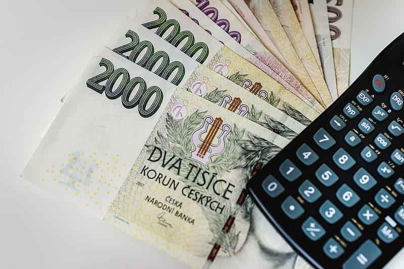 Mezi bankovní společnosti nabízející půjčky 100 000 Kč patří například Acema, MONETA Money Bank či Air Bank.