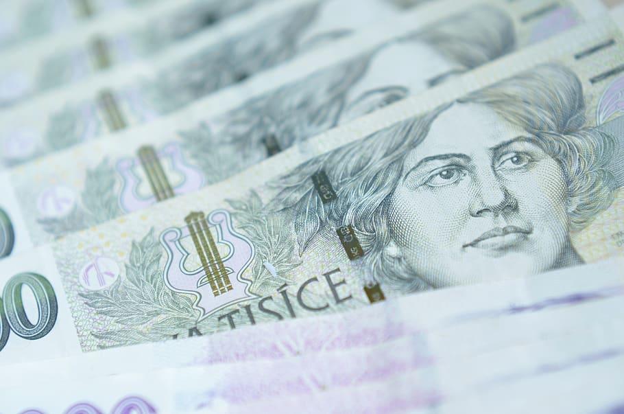 Díky společnostem, kteří nenahlížejí do úvěrových registrů, mohou rychlou půjčku na ruku získat i zadlužení žadatelé.