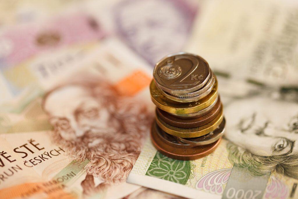 V současnosti se lze setkat také s nabídkami nebankovních půjček na ruku bez registru.
