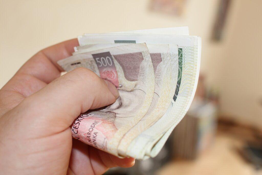 Vyhodnocení žádosti o půjčku v hotovosti na ruku trvá pouze pár minut.