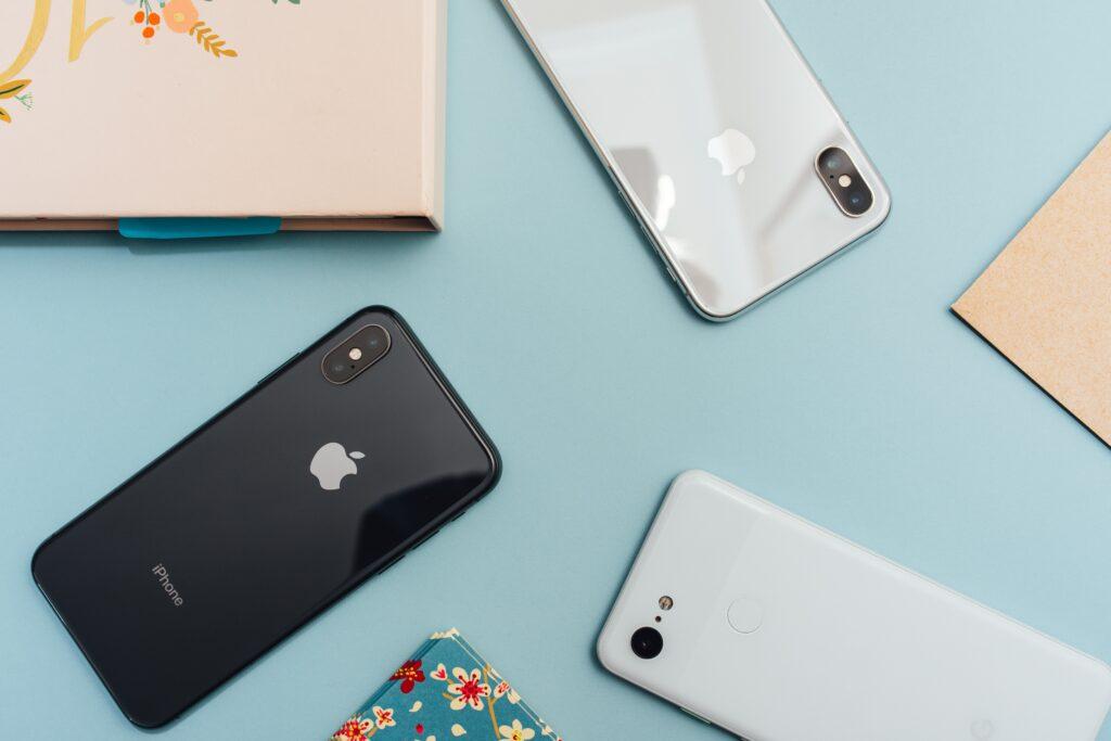 Díky půjčce od Hello bank! lze koupit iPhone 11 na splátky bez navýšení, tedy s nulovým úrokem.