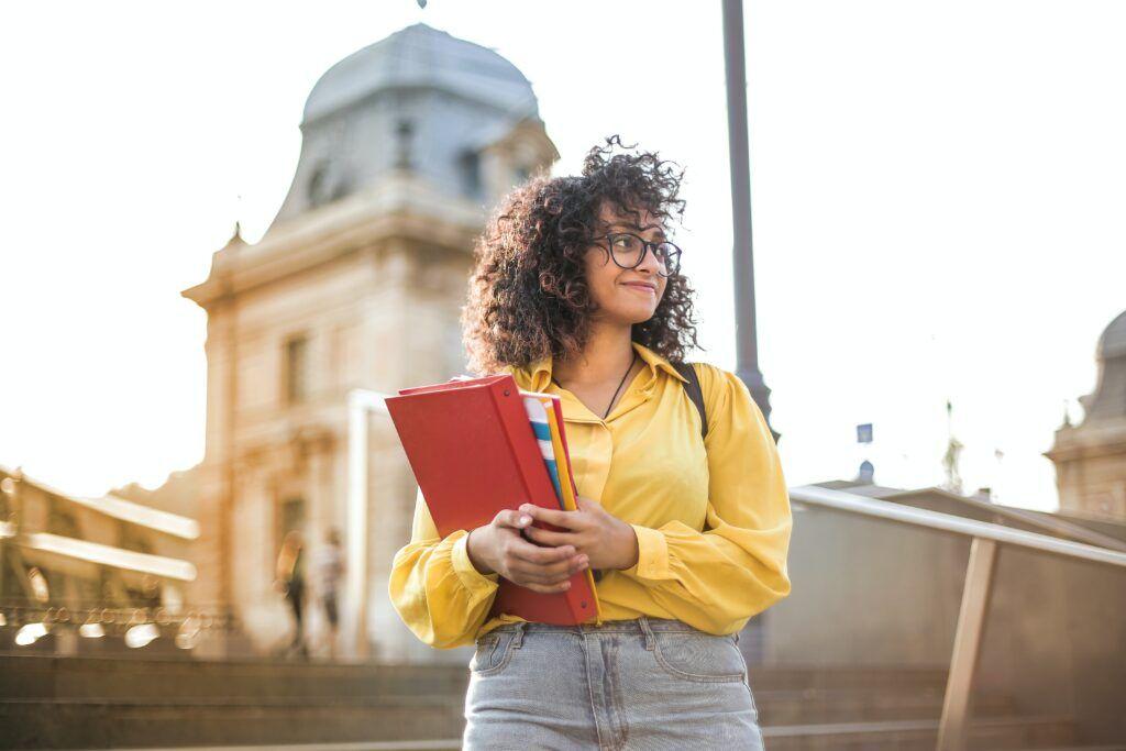 Click Credit pro studenty je výhodná verze této půjčky, ve které studenti nemusí platit žádné poplatky navíc.