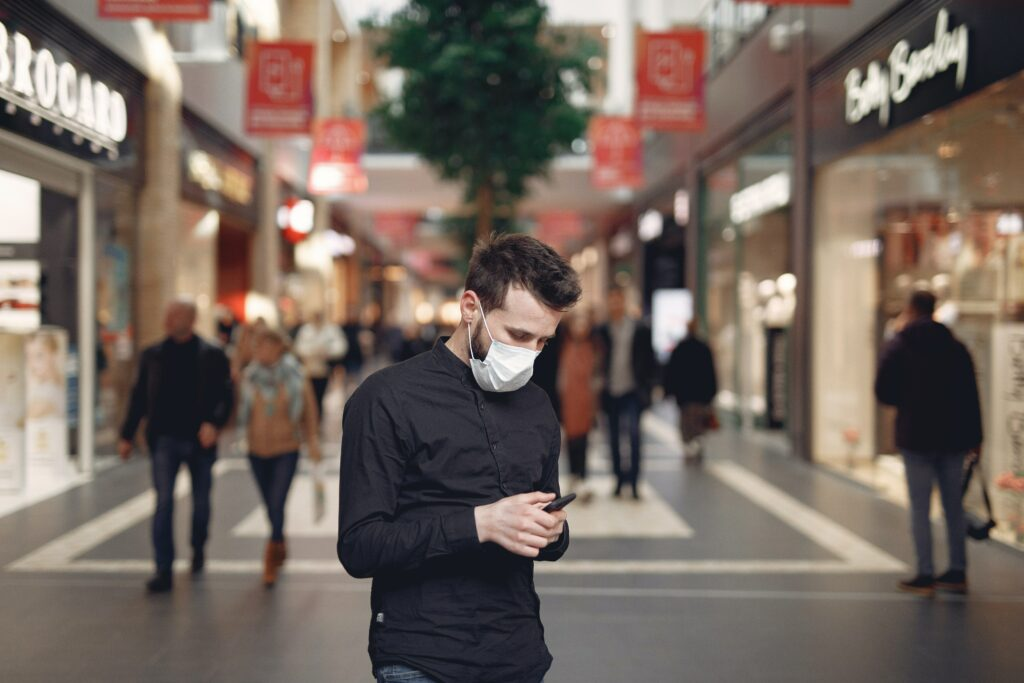 O některé nebankovní půjčky lze zažádat jednoduše prostřednictvím SMS zprávy.