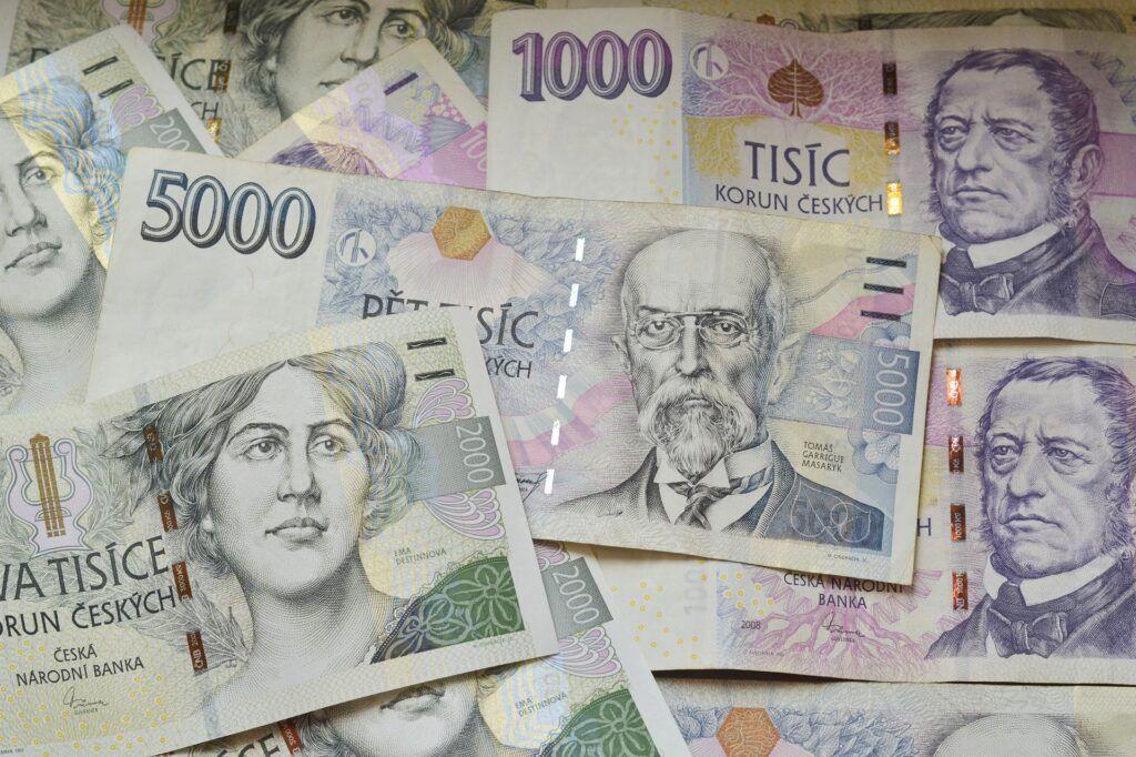 Online je možné sjednat půjčky v řádu tisíců i desetitisíců korun.