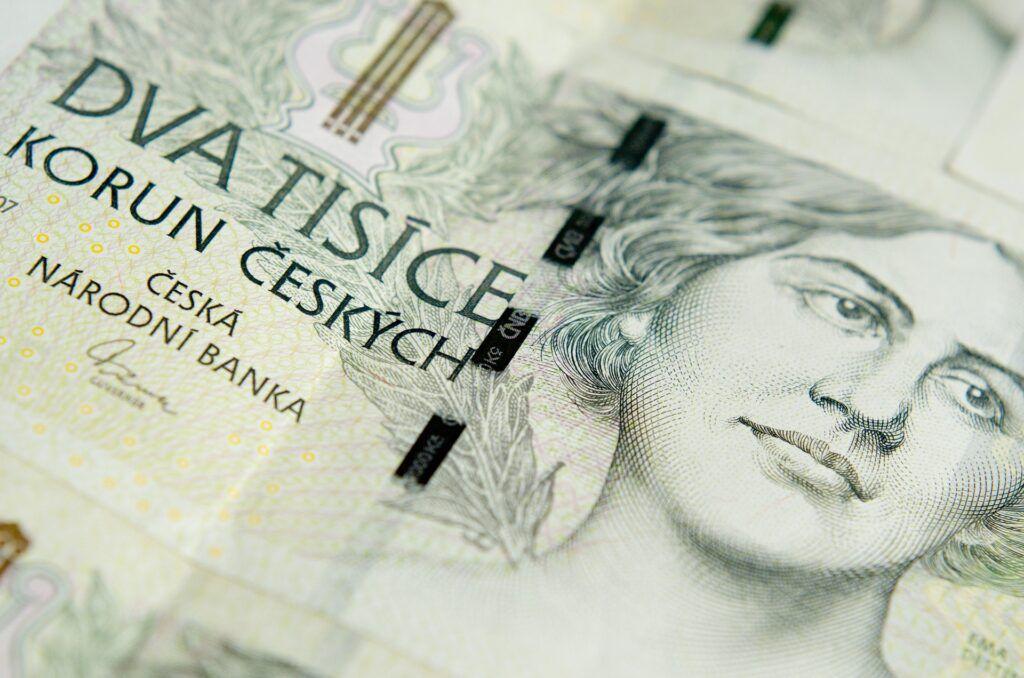 O půjčku Zlín na ruku lze zažádat online, hotovost je poté k dispozici během několika minut od schválení.
